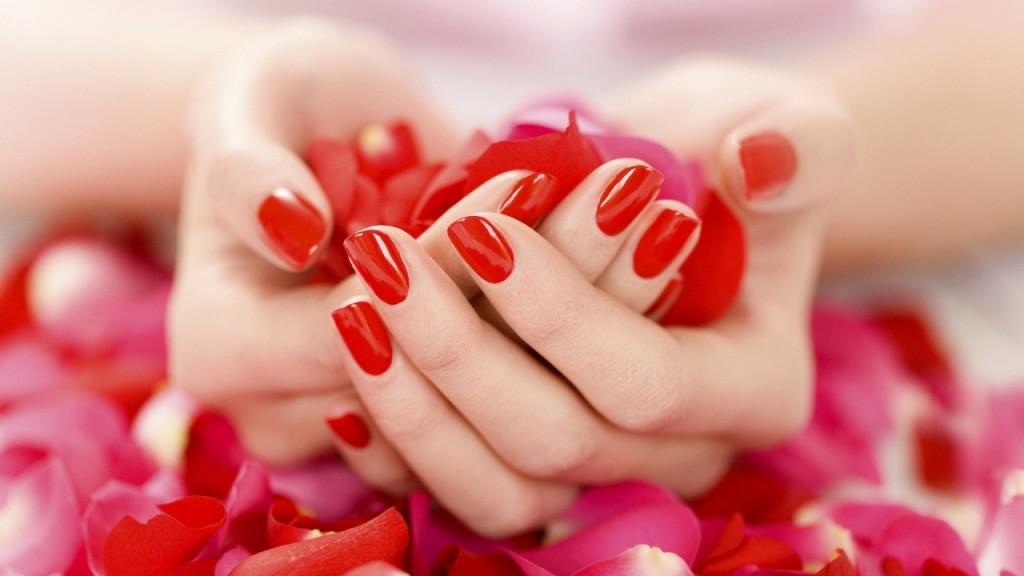 1280x720-10970-hand-petals-rose-manicure-mood-0323